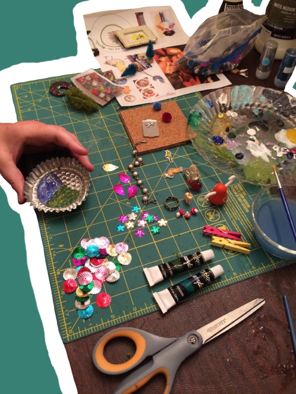 Ornament crafting table