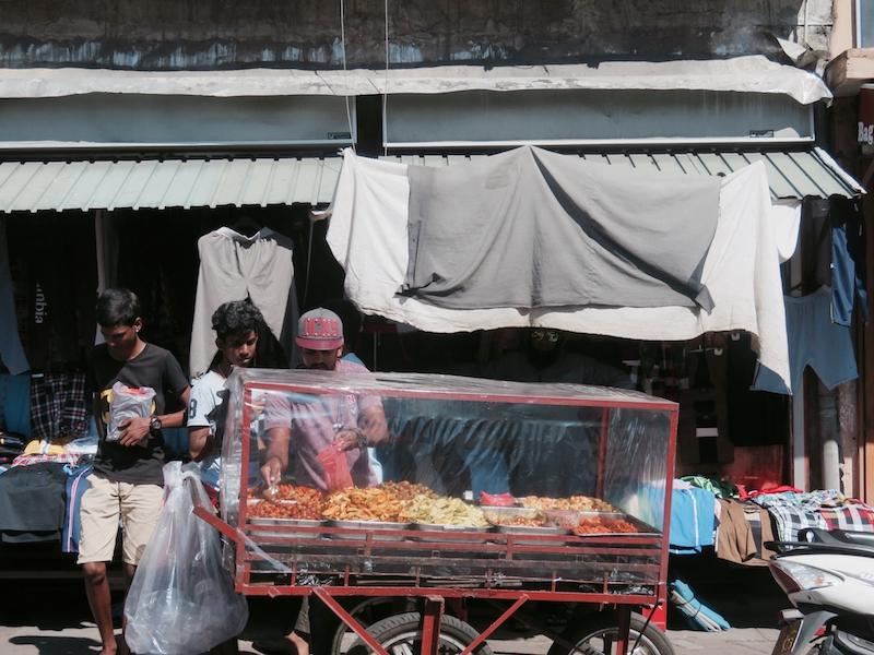 Vendor-in-Pettah-Colombo.jpg