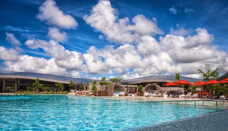 The Infinity Lagoon at Elements of Byron (photo credit: Elements of Byron)