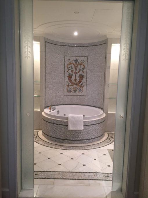 Residence suite bathroom
