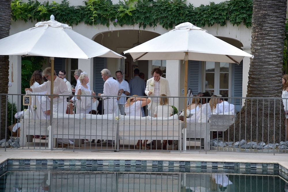 A white wedding (photo supplied by Pastis Hotel)