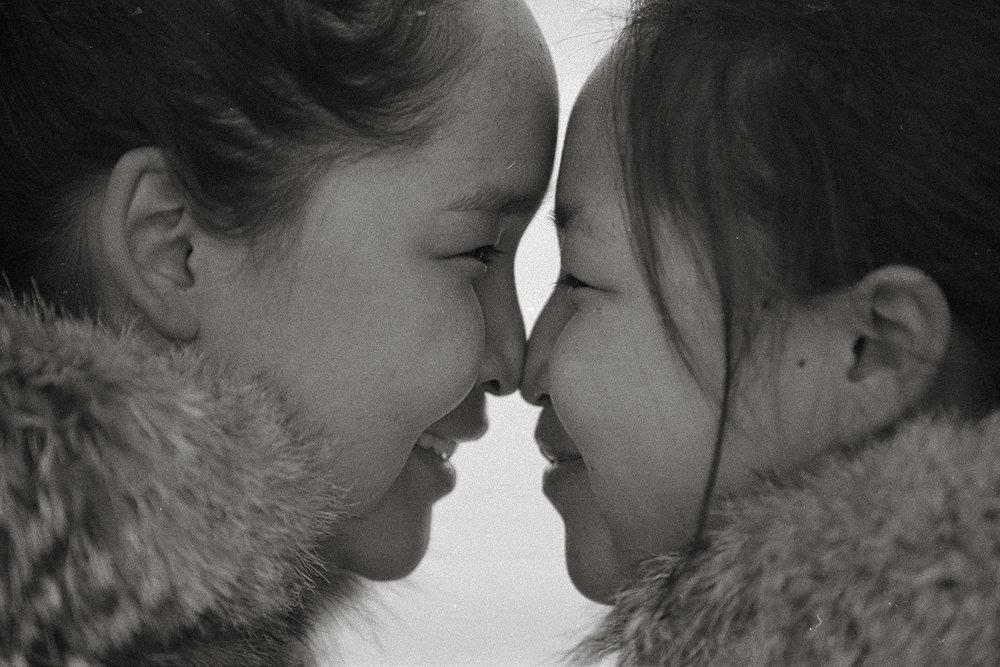 Inuit_kiss.jpg