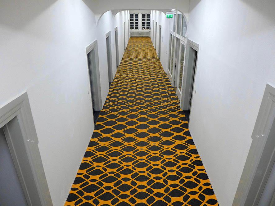 Interferenz, 2014, carpet cut-out, 3000 x 265 cm, Mönchehaus-Museum Goslar