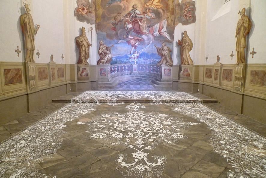 Kilim, 2012, Silikon, 1050 x 540 cm, Burgkapelle im MMK Kärnten, Klagenfurt
