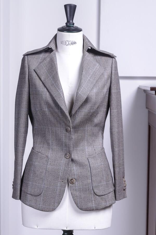 - vrouw dames pak colbert wol 3 knoops patch zakken opstaande kraag