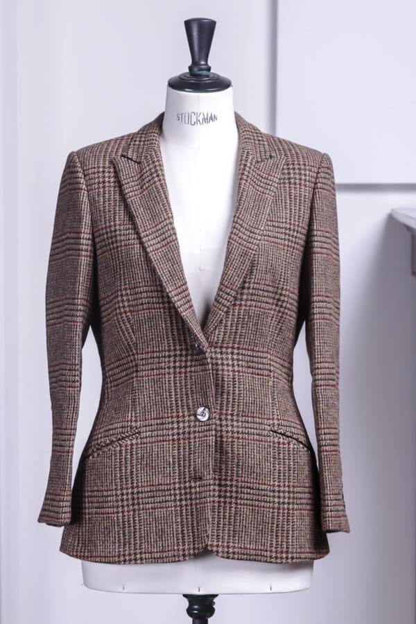 - 3 knoops tweed colbert pak op maat dames vrouw abraham moon schuine zakken opgesneden revers