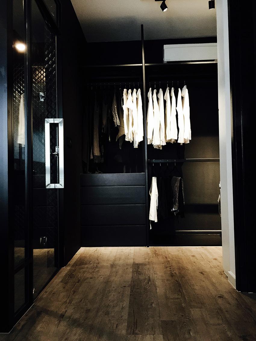 Walk-in-wardrobe-1a_adjusted_small.jpg