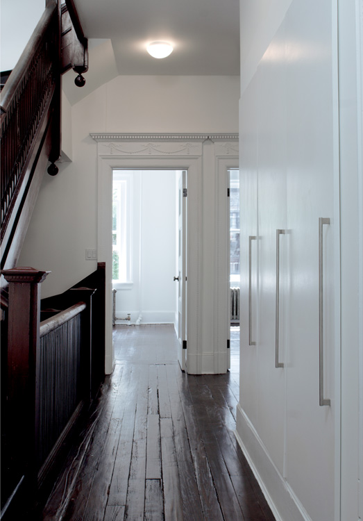 02_wunderground_harlem_historic_townhouse_hall.jpg
