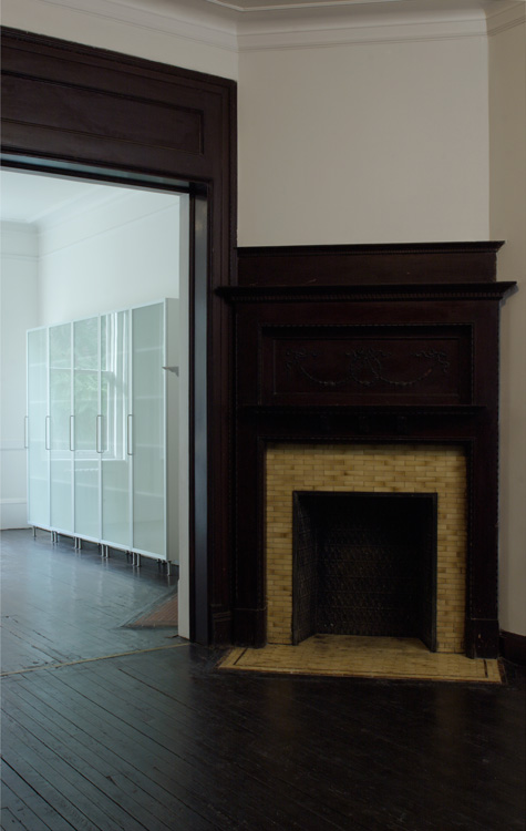 06_wunderground_harlem_historic_townhouse_fireplace.jpg