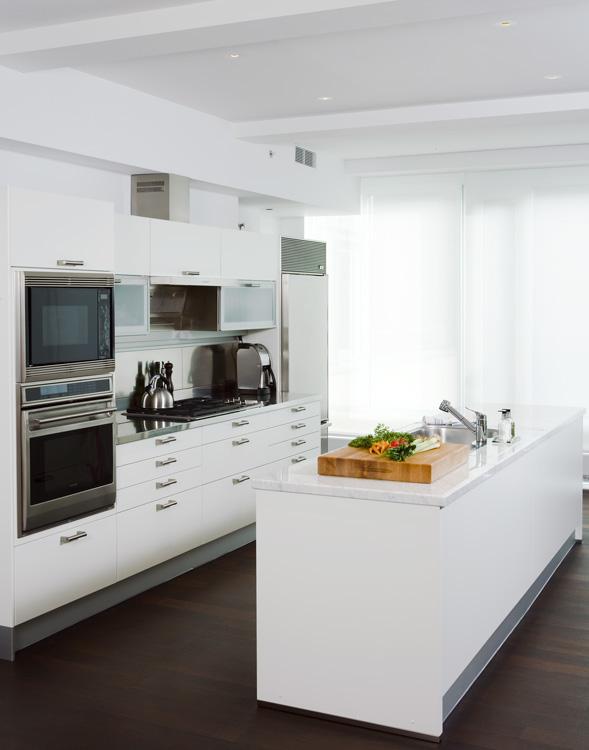 03_wunderground_hudson_penthouse_kitchen.jpg