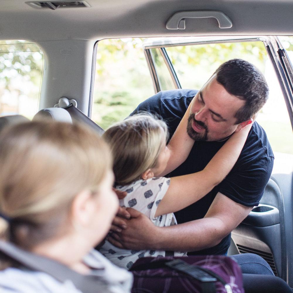 Faire du bien à de merveilleuses familles - Michelle, mère de quatre enfants, est certaine que sa voiture peut se rendre toute seule de la maison familiale à Amherst, en Nouvelle-Écosse, au centre hospitalier IWK à Halifax.