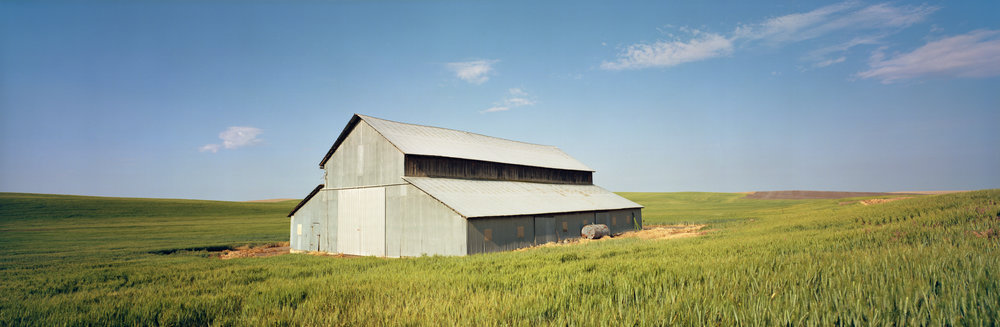 A barn in the Palouse of Washington, off SR26. Ektar 100, 1/30 sec, f/16.