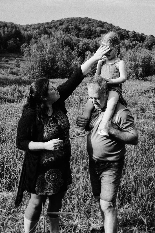 007_20170617_printemps_2017-844-Modifier_HD_NBMOY_photographe_famille_lifestyle_maternité.jpg