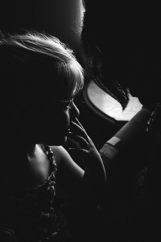 photo-de-nouveau-ne-a-l-hopital-fresh-48_photographie-noir-et-blanc-photographe-de-famille-lifestyle-enfant-montreal-42.jpg