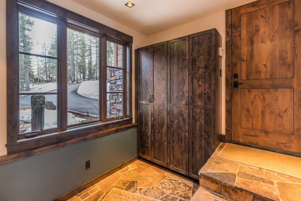 16-Lahontan-Home-468-mudroom.jpg
