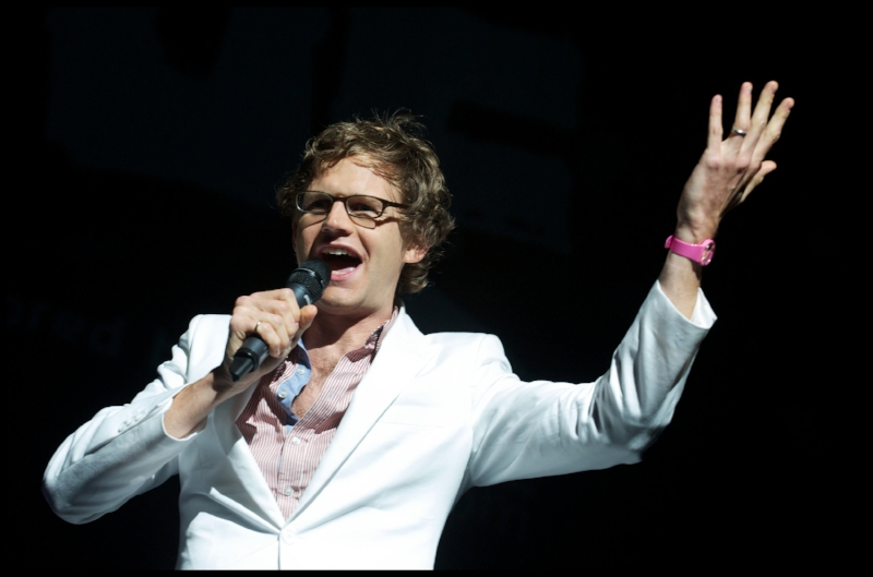 MARKDOLAN stand-up 1.jpg