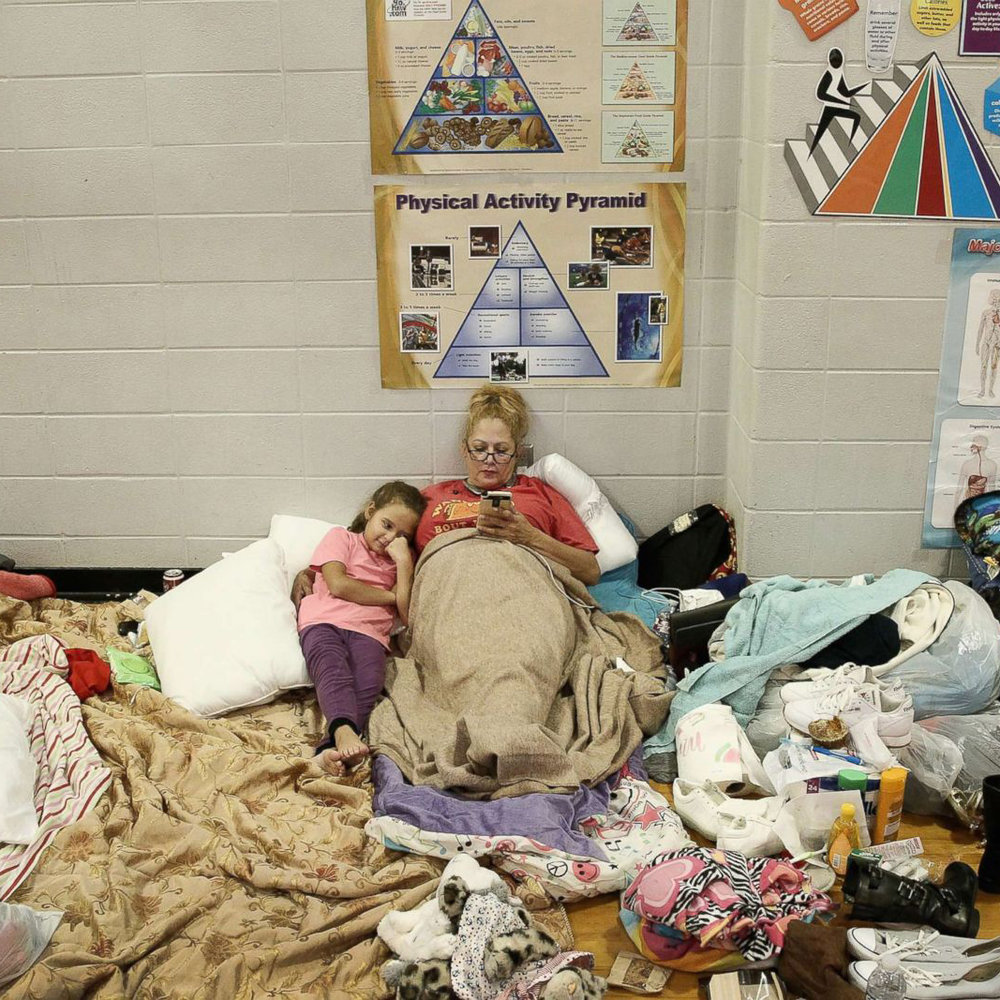 hurricane-harvey-houston-shelter.jpg