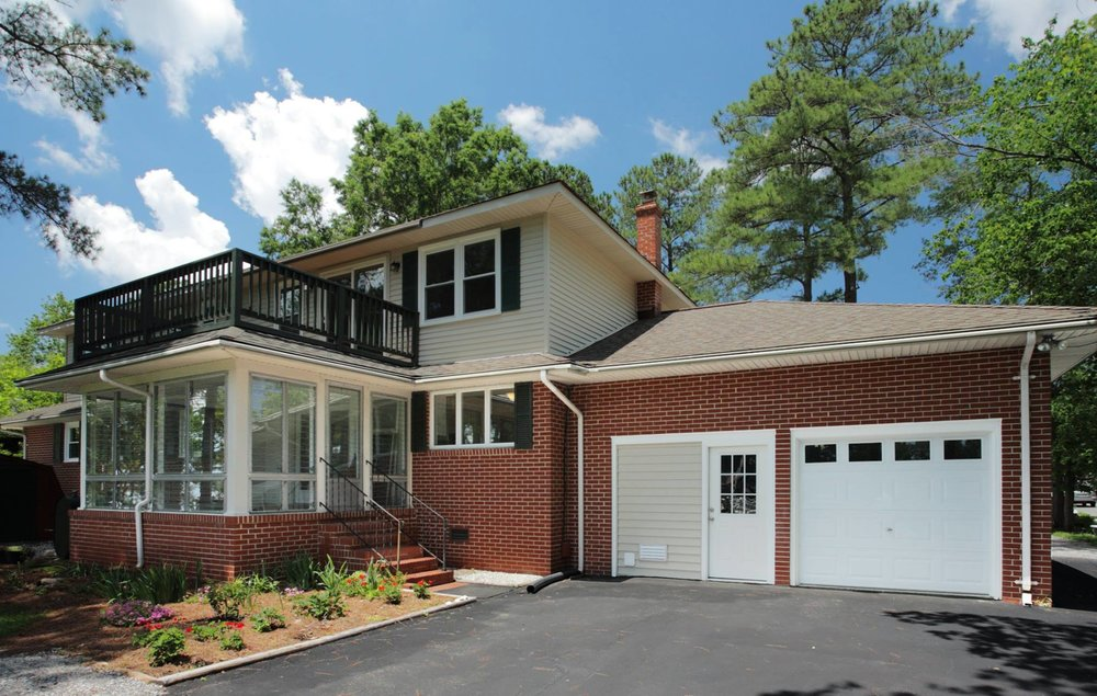 217 RAYMOND DRIVE - SEAFORD WATERFRONT HOME/FULY REMODELED