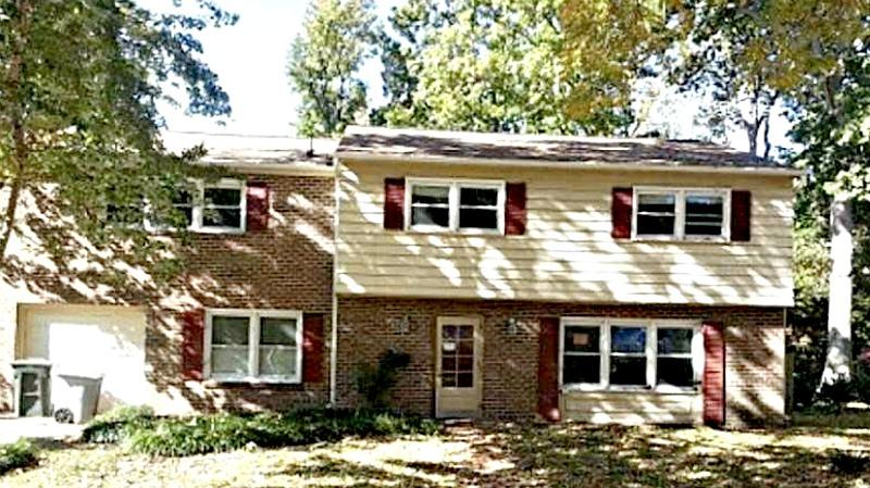 109 SCHOONER DR - GREAT HOME WITH 5 BEDROOMS & 3 BATHS