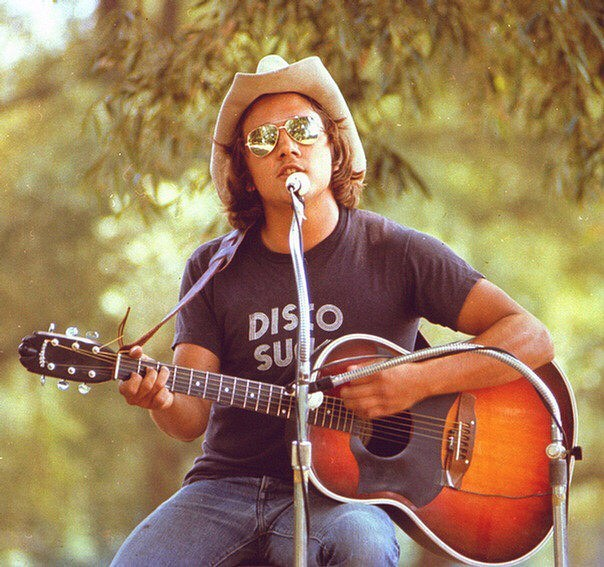 I was a lonely teenage broncin' buck with a pink carnation and a pick-up truck... #throwbackthursday Hemlock Park #freeconcert circa late 1970's ✌️