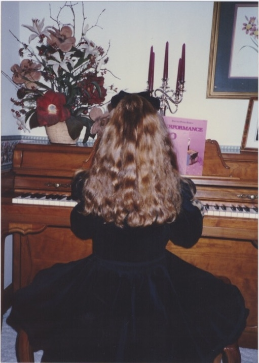 Aliica Pyle learning piano