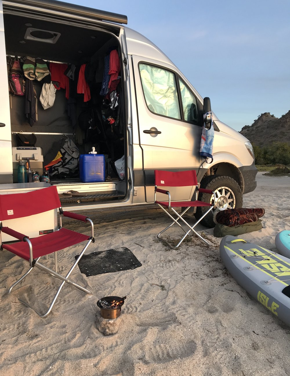 Beachlife/Vanlife in all it's glory.