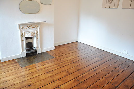 Guest bedroom Victorian wood floor finished with Osmo Polyx Oil in Amber 3072