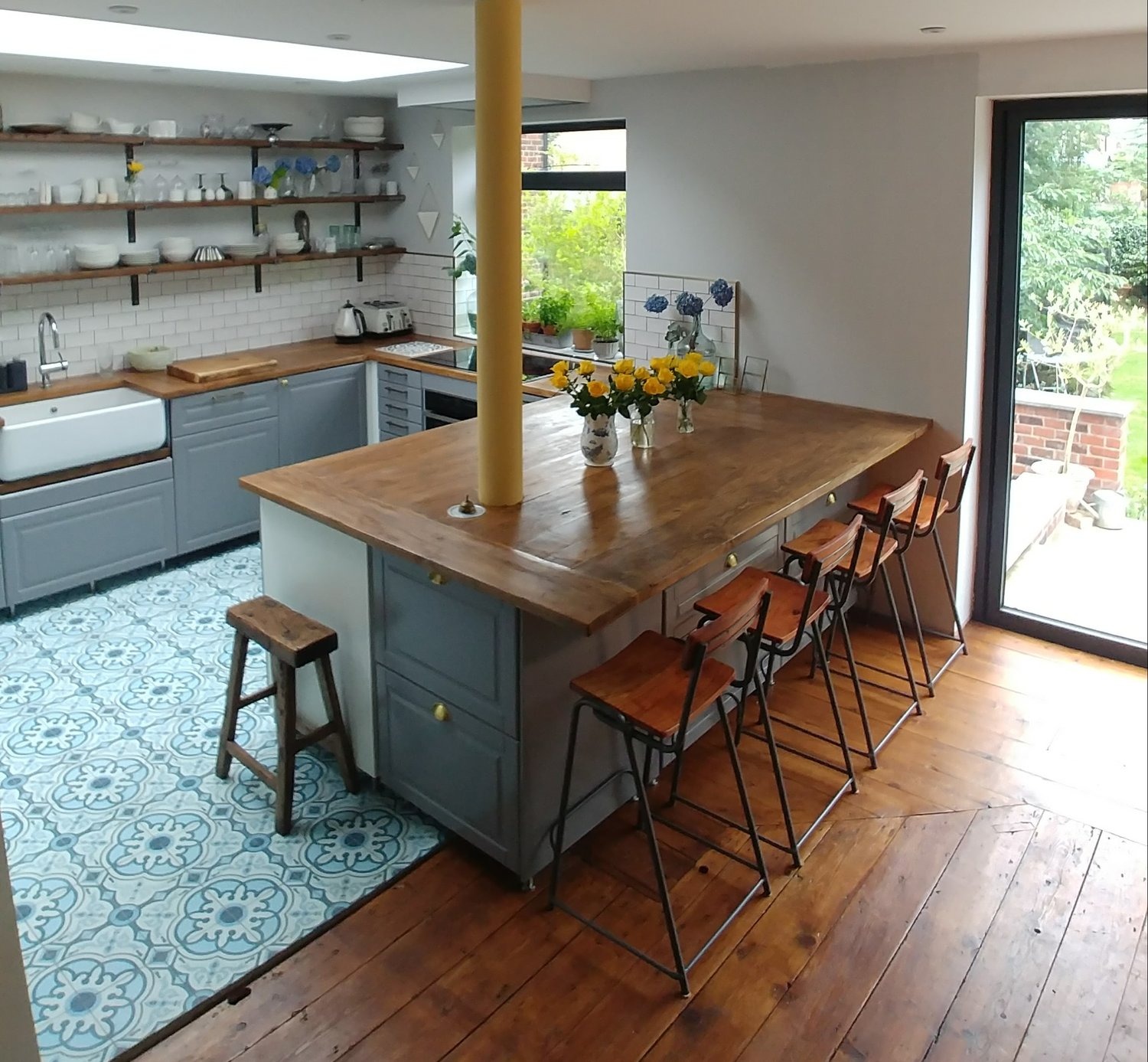 Incredible How To Make Kitchen Worktops From Scaffold Boards Alice De Bralicious Painted Fabric Chair Ideas Braliciousco