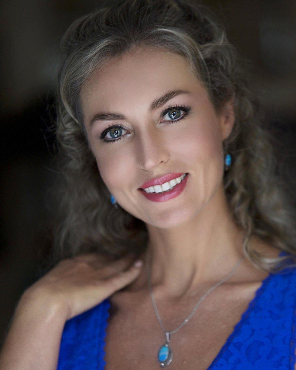 Yelizarova, Anna_Headshot3.jpg