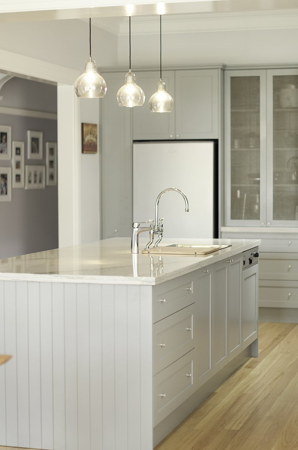 "This ""Kensington kitchen"" was designed by Nadia Hursky for Blue Tea Kitchens.  Courtesy of Pablo Hiriyogen"