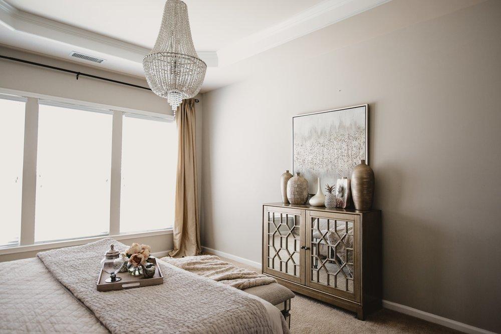Dierdre Renee Sanders Designs   Rachel Sanders Photography   Vixen chandelier