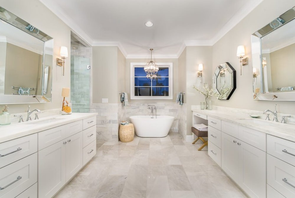 A separate tub and shower gives a spa feel. Image: Two Hawks Design & Development