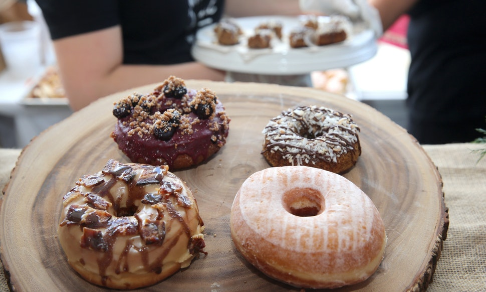 """Bustle  // Butler County Donut Trail GeoTour    """"This 80-Mile """"Donut Trail"""" In Ohio Has 12 Different Stops & The Instagrams Are Gorgeous"""""""