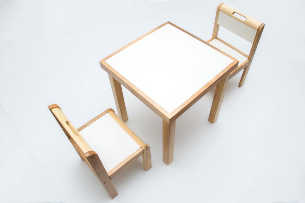 mesa y silla.png