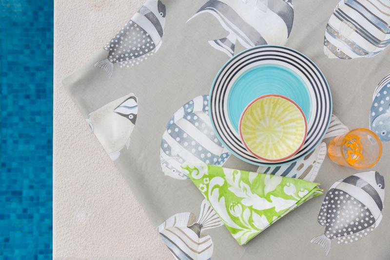 6. Las servilletasnos dan la oportunidad de introducir nuevos colores y texturas a nuestra mesa. Las de líneas sencillas y colores neutros aportan un look cuidado y elegante, mientras que las servilletas de colores más vivos nos aportan un toque más atrevido. -