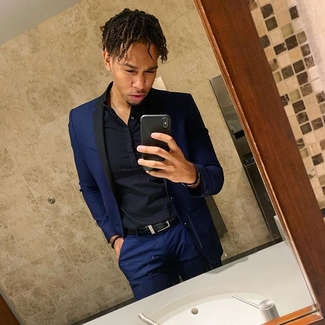 I may be a mess sometimes but I know how to clean up 🧼 🧽 #sunday #suit #mensfashion #lifestyle