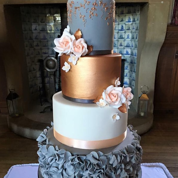 Emily Jane Cakes   Location: Hertfordshire, but will travel   Booked by Nat > highly recommended    View Emily's website    @emilyjanecakes