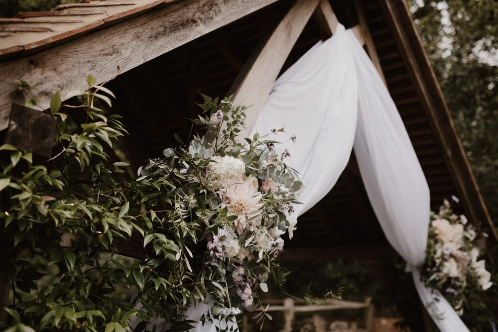 Nat and Tom - 01 - Venue and Details - Sara Lincoln Photography-9-min.jpg