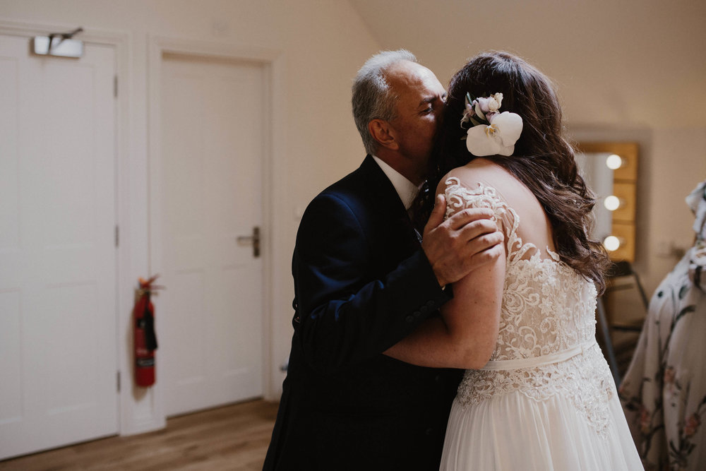 Nat and Tom - 02 - Bride Prep - Sara Lincoln Photography-29.jpg