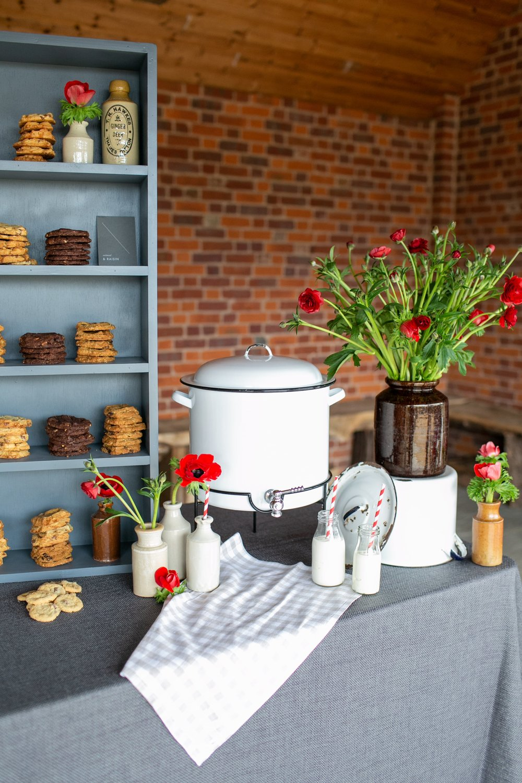 Kalm-Kitchen-Food-Stations-Anneli-Marinovich-16-min.jpg