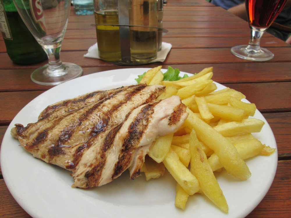 Grilled_chicken_and_chips.jpg