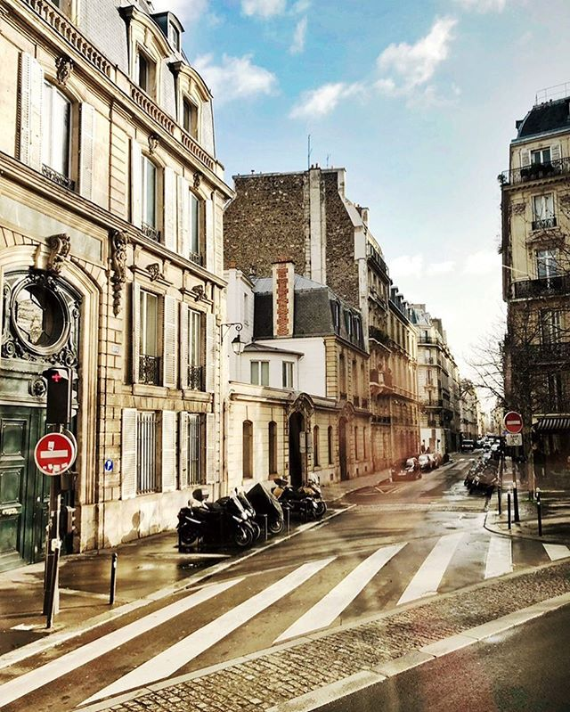 how is every side street in Paris incredibly beautiful lmk