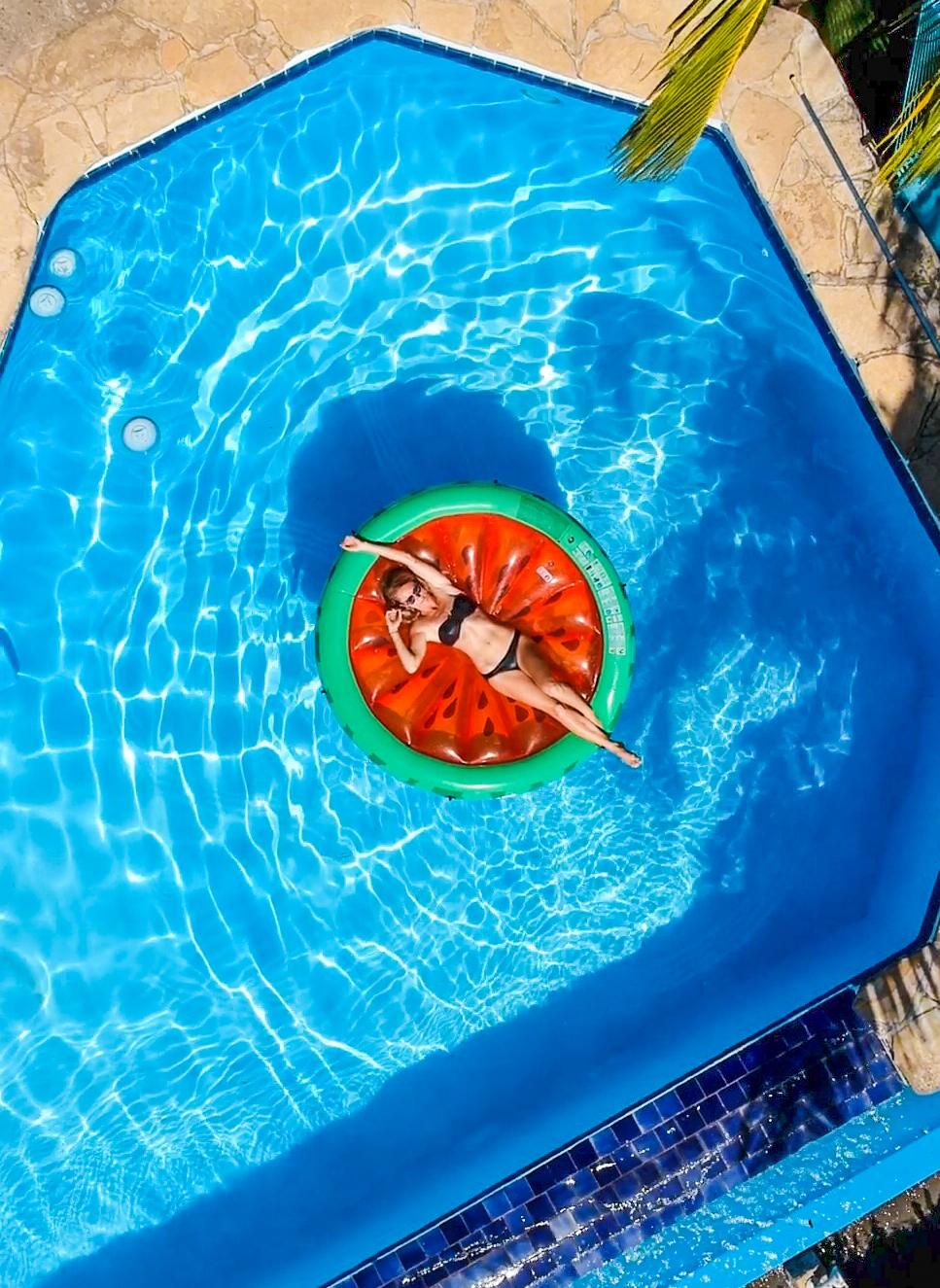 SAm In Pool Edit 4 (1 of 1).jpg