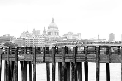 LOndon-St-pauls-city-skyline.jpg