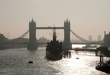 Tower-bridge-hms-belfast.jpg