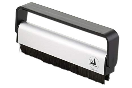 Clearaudio Antistatic Carbon Record Cleaning Brush €30,00