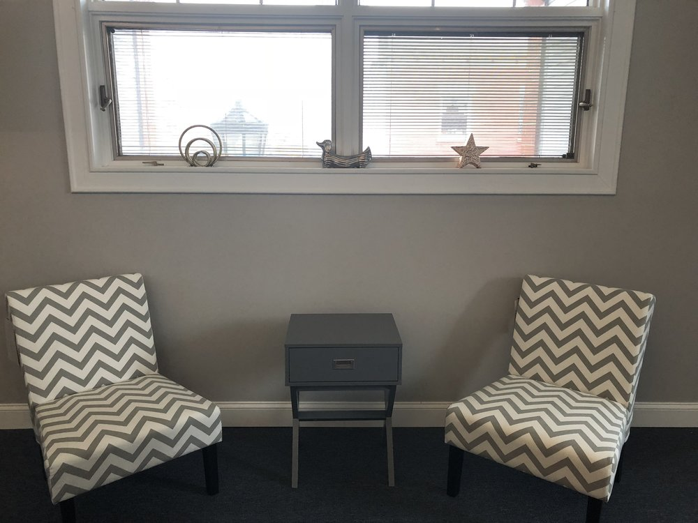 Common Area Lounge: work in comfort, yet better than home.