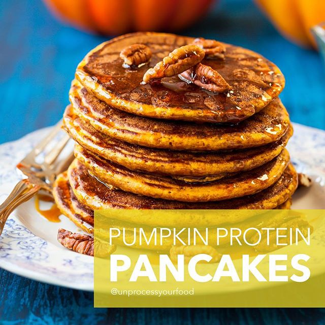 I may have been eating pumpkin pancakes every day for the last 5 days…and I'm still not tried of them. These also give you a great protein kick for the day! - Need a healthy kitchen tool or appliance? Visit my website: www.bydash.com 😘 Love, Ms. Dash 😘😘😘 #unprocessyourfood #healthyrecipes #wholesome #realfood #healthyfoodshare #pumpkin #fall --------------------- Pumpkin Protein Pancakes ➡️2/3 cup pumpkin puree ➡️1 teaspoon cinnamon ➡️½ teaspoon allspice ➡️1 egg ➡️1 cup gluten free oats ➡️½ cup almond milk ➡️1 tablespoon maple syrup ➡️2 tablespoons organic plant based protein powder ➡️½ teaspoon baking powder --------------------- DIRECTIONS: Place all ingredients in the Dash blender and blend until combined. Scoop out ¼ cups of batter and cook in the Dash mini maker griddle or on the Dash express griddle. Serve with nuts and maple syrup. --------------------- Pancakes de Calabaza y Proteina ➡️2/3 taza puré de calabaza ➡️1 cucharadita canela ➡️½ cucharadita pimienta de Jamaica ➡️1 huevo ➡️1 taza avena sin gluten ➡️½ taza leche de almendra ➡️1 cucharada miel de maple ➡️2 cucharadas polvo de proteína orgánica, hecha de planta ➡️½ cucharadita levadura en polvo --------------------- DIRECCIONES: Pon todos los ingredientes en la licuadora Dash y licúe hasta que este bien combinado. Saque ¼ taza de masa y cocine en el Dash Mini Maker Griddle o en el Dash Express Griddle. Sirva con nueces y miel de maple.