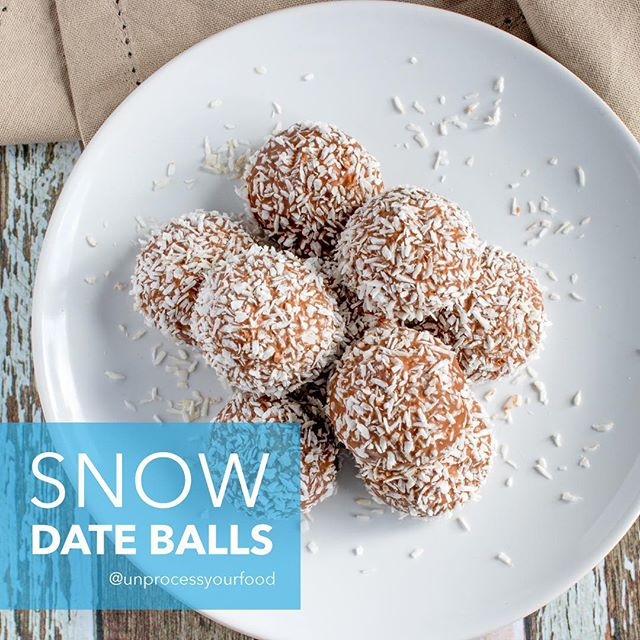 There will never be enough date balls in the world. They are the perfect snack and good for you. Make them for yourself, your kids, your friends! Just make them. -Need a healthy kitchen tool or appliance? Visit my website: www.bydash.com 😘 Love, Ms. Dash 😘😘😘 #unprocessyourfood #healthyrecipes #wholesome #realfood #healthyfoodshare #healthytreat #glutenfree #dates --------------------- Date Snow Balls ➡️1 cup pitted medjool dates ➡️1 cup raw almonds ➡️½ teaspoon sea salt ➡️1 teaspoon vanilla ➡️1 tablespoon coconut oil ➡️¼ cup unsweetened shredded coconut ➡️more coconut for rolling --------------------- DIRECTIONS: Blend almonds in the Dash blender until a coarse meal is formed. Add dates, salt, vanilla, coconut oil, and shredded coconut. Blend until a thick dough comes together. Roll balls of dough in shredded coconut and refrigerate until firm. --------------------- Bolas de Nieve y Dátiles ➡️1 taza dátiles medjool, deshuesados ➡️1 taza almendras crudas ➡️½ cucharadita sal marina ➡️1 cucharadita vainilla ➡️1 cucharada aceite de coco ➡️¼ taza hojuelas de coco, sin endulzar ➡️mas coco para enrollar --------------------- DIRECCIONES: Licúe almendras en la licuadora Dash hasta que se haya formado harina. Agregue dátiles, sal, vainilla, aceite de coco, y hojuelas de coco. Licúe hasta que se forme masa. Enrolle bolas en hojuelas de coco y meta al refrigerador para endurecer.