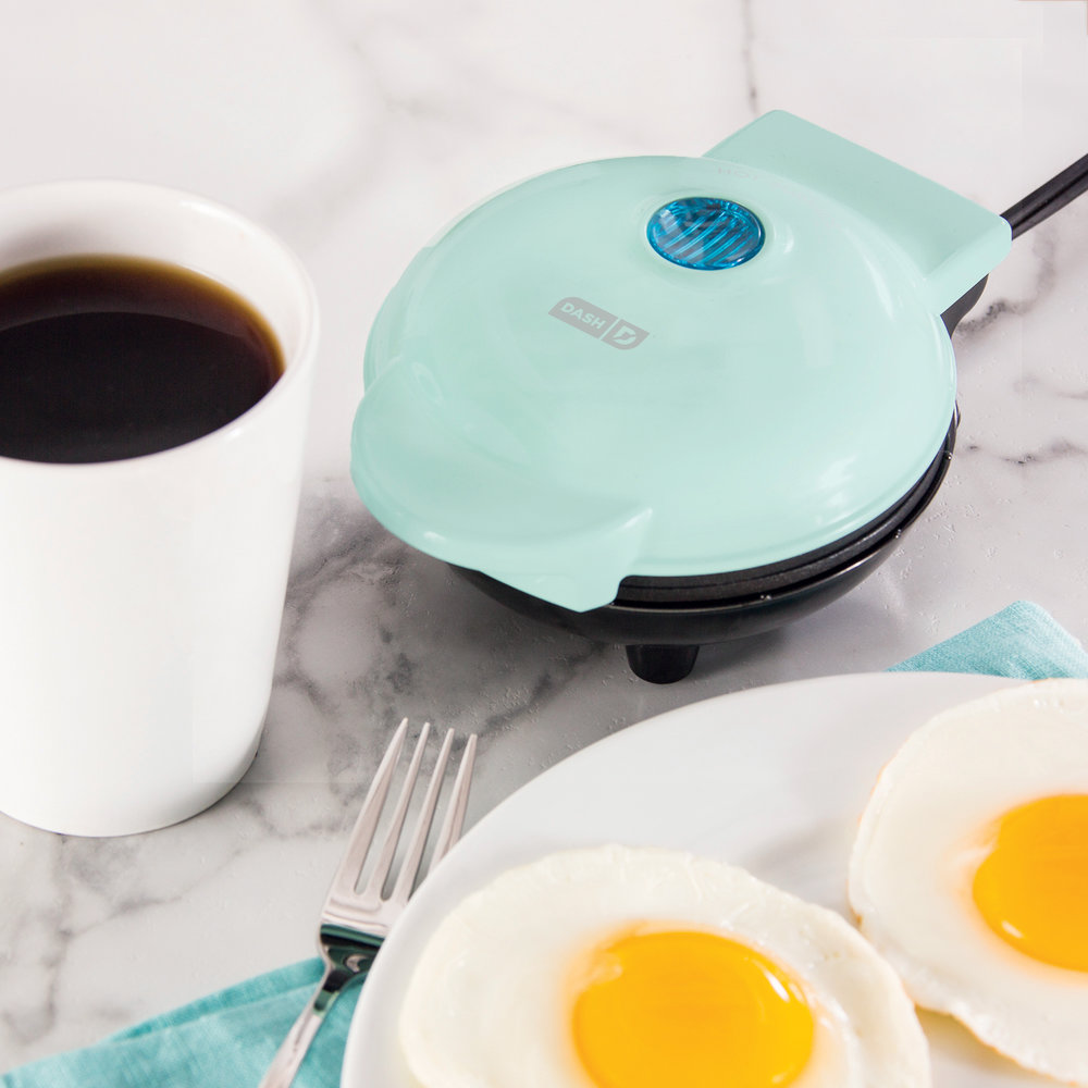 Dash Mini Maker Griddle - Give the gift of griddle! This cute, compact, little griddle will satisfy your breakfast cravings any time of day!Get it here.